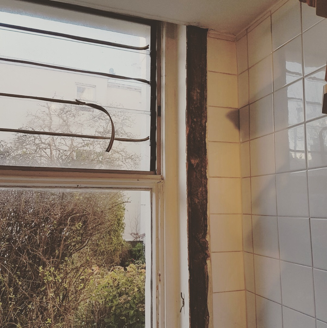 Sash window restoration Hove - rotten window 5